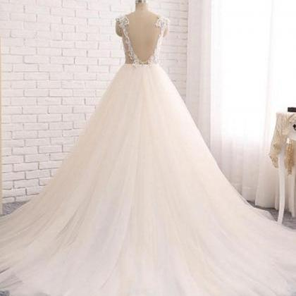Custom made wedding dresses,round n..