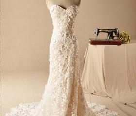 Lace wedding dress,s..