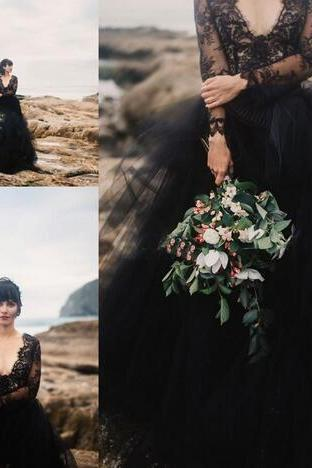 Black Bohemian Wedding Dresses Backless with Illusion Long Sleeve Puffy Tulle Beach Boho Cheap Gothic Wedding Party Bridal Formal Gowns