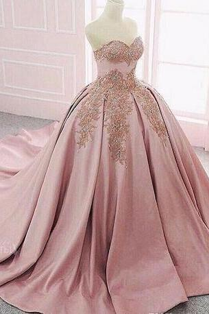 Sweetheart With Gold Prom Dress,Lace Appliques Ball Gown Prom Dresses,Beaded Formal Special Occasion Party Gowns Customized Formal Wear