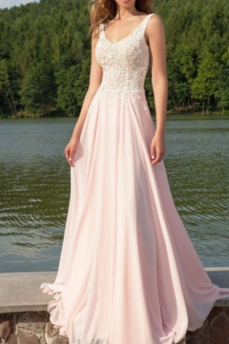 Newest V-Neck Appliques Long Sleeveless Prom Dresses