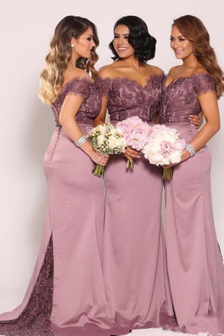 Plum Off the Shoulder Plus Size Bridesmaid Dresses Vintage Lace Top with Train Beaded