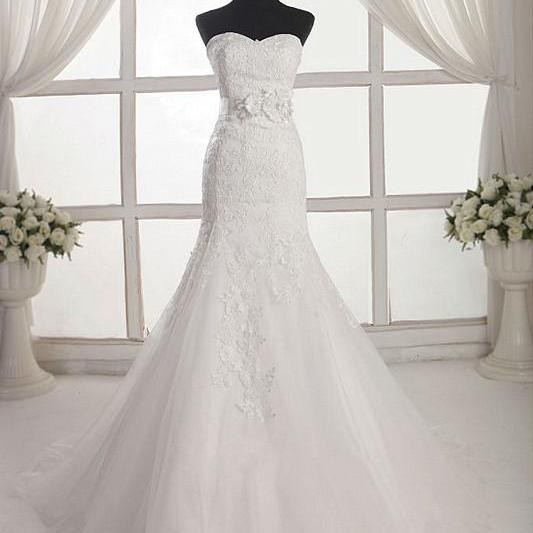 Sweetheart Neckline Lace Appliqués Floor Length Mermaid Tulle Wedding Gown