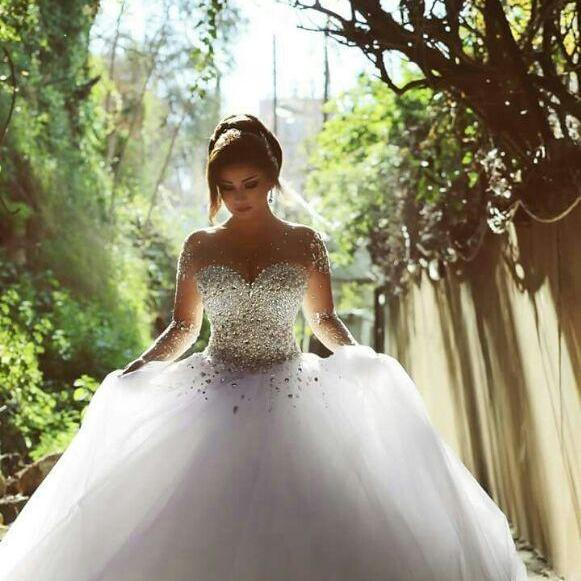 Long Sleeve Wedding Dresses with Rhinestones Crystals Backless Ball Gown Wedding Dress Vintage Bridal Gowns Spring Quinceanera Dresses